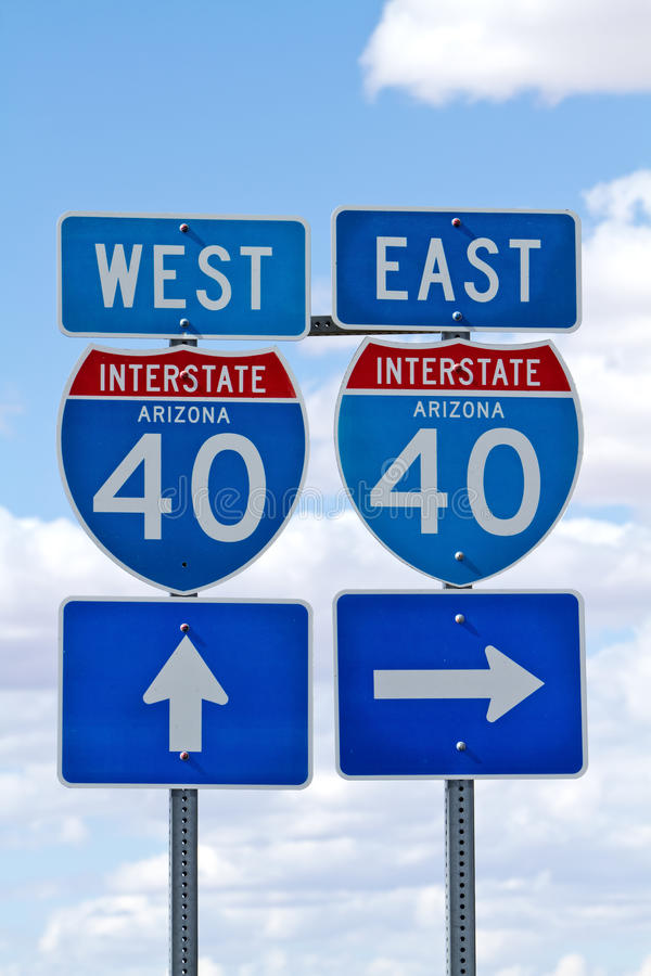 La carretera de un estado a otro 40 firma adentro Arizona fotografía de archivo