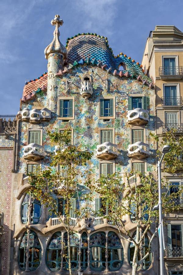 La casa Batllo de Gaudi en Barcelona, España fotos de archivo