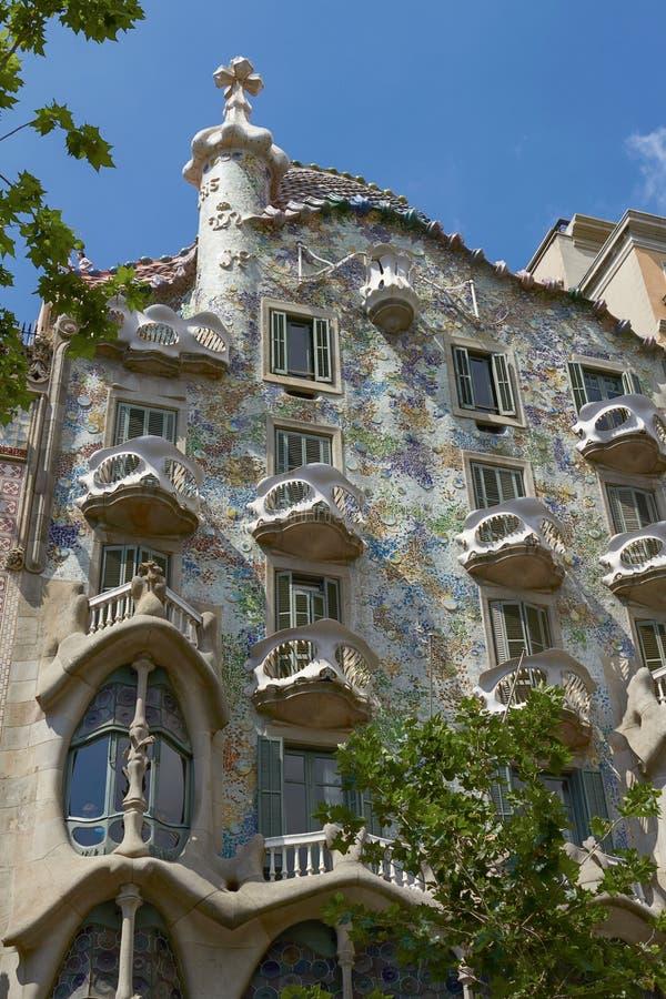 La casa Batllo es una obra maestra del modernismo de arquitecto Antoni Gaud imagenes de archivo