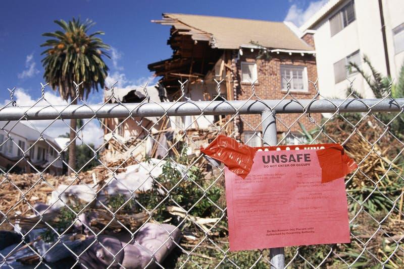La casa condannata distrugg fotografie stock libere da diritti