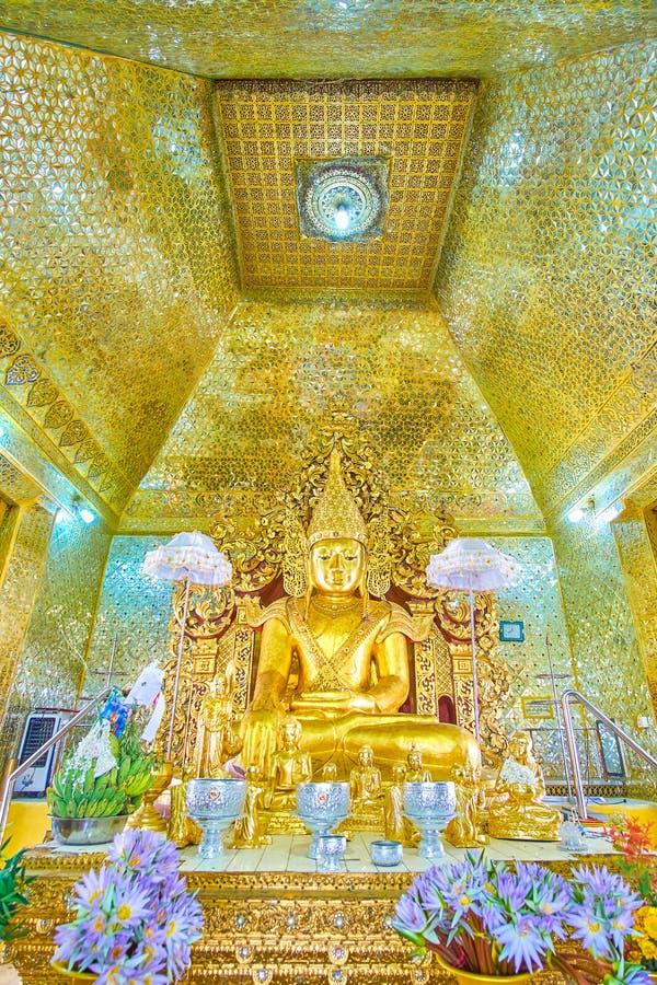 La casa de la imagen de la pagoda de Kuthodaw, Mandalay, Myanmar fotos de archivo
