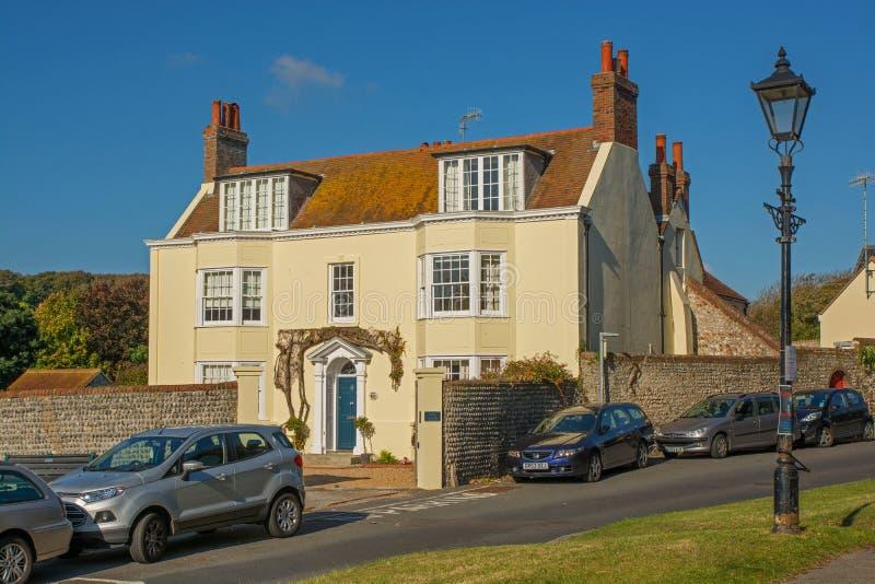 La casa de los olmos en Rottingdean, Sussex, Inglaterra imagen de archivo libre de regalías