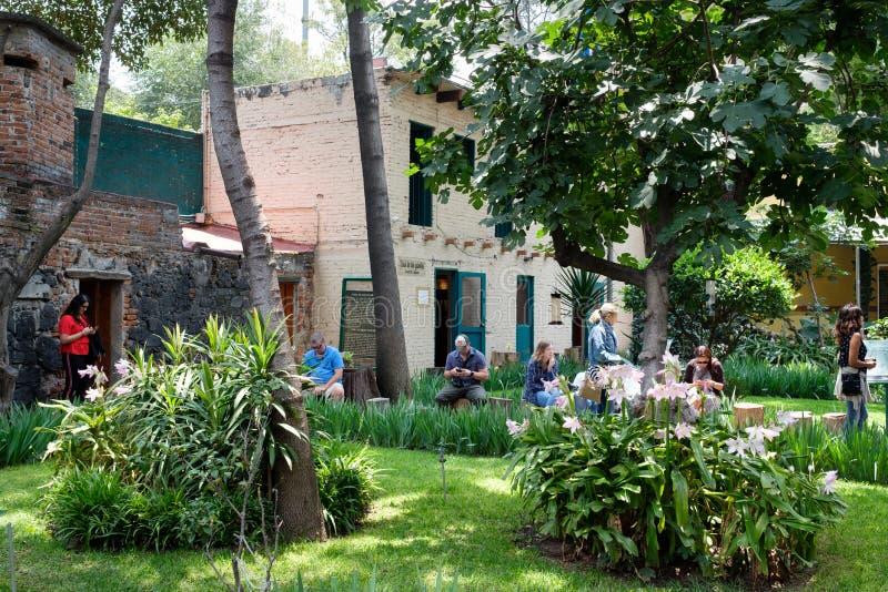 La casa del líder soviético exiliado Leon Trotsky en Coyoacan, imagenes de archivo