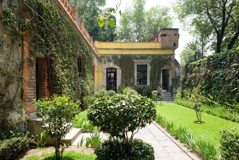La casa del líder soviético exiliado Leon Trotsky en Coyoacan, fotografía de archivo libre de regalías