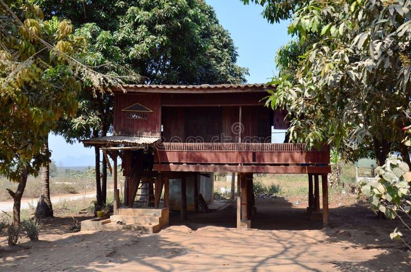 La casa del monje en Tai Ta Ya Monastery o el sao Roi Ton Temple fotografía de archivo libre de regalías