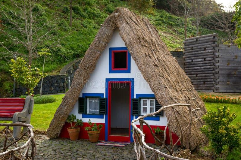 La casa dell'agricoltore dell'isola del Madera di stile tradizionale immagini stock libere da diritti