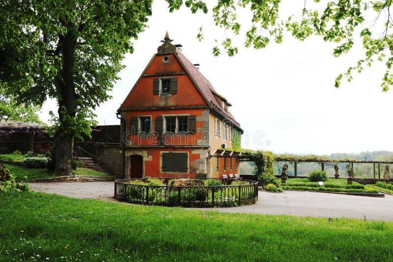 La casa estiva nei giardini del der Tauber, Germania del ob di Rothenburg immagine stock