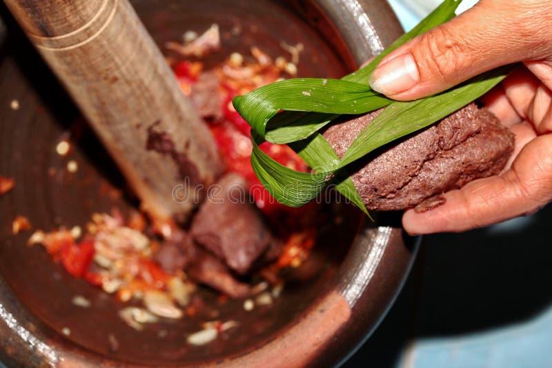 La casa ha fatto la cottura della immersione piccante della pasta del gamberetto, Nam Prik Kapi fotografie stock