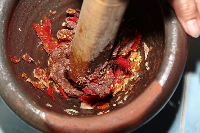 La casa ha fatto la cottura della immersione piccante della pasta del gamberetto, Nam Prik Kapi immagini stock