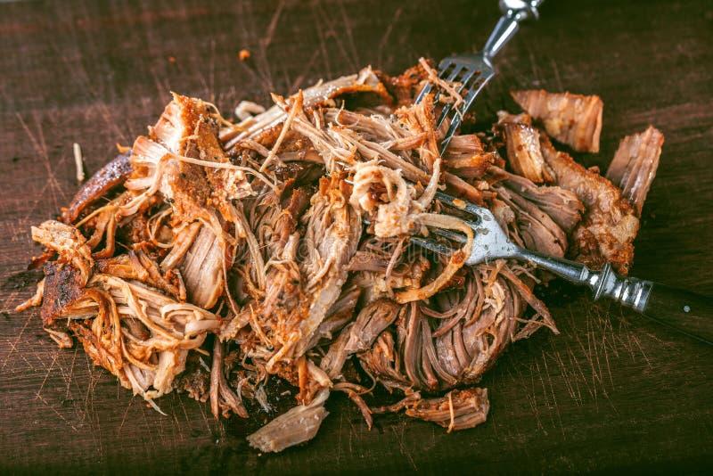 La casa ha preparato la carne di maiale tirata essere mangiato fotografie stock libere da diritti