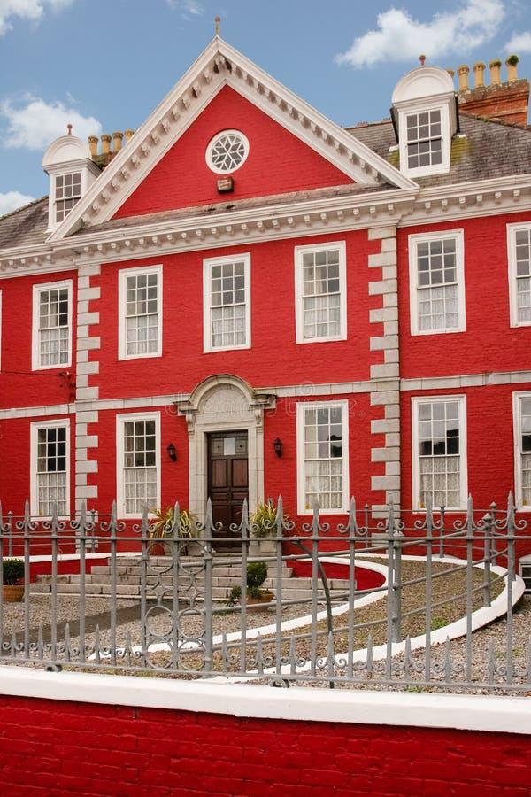 La casa roja Youghal irlanda foto de archivo