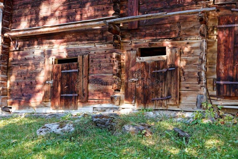 La casa rural histórica del granero en el ¼ de Muerren MÃ rren imagenes de archivo
