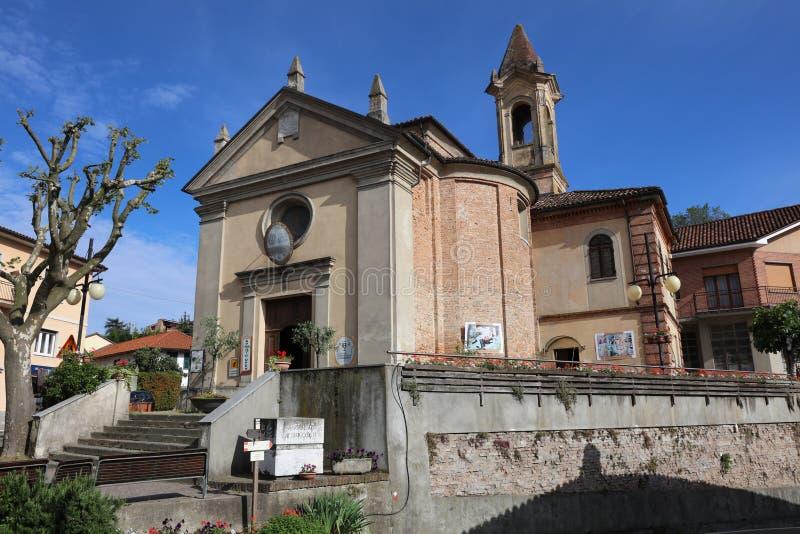 La casa vinicola comunale di Vinothek in Barbaresco nell'area di Langhe piemonte L'Italia fotografia stock libera da diritti