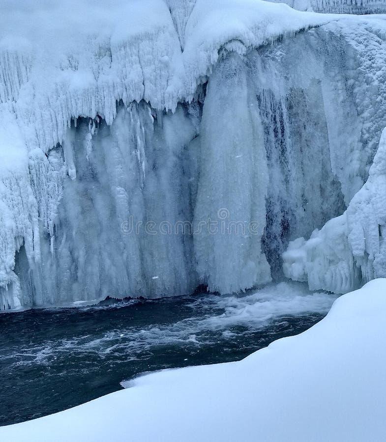 La cascata congelata fotografie stock