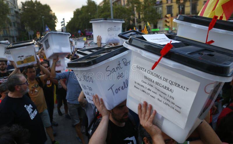 La Catalogna ha vietato il referendum di indipendenza un anniversario di anno fotografie stock