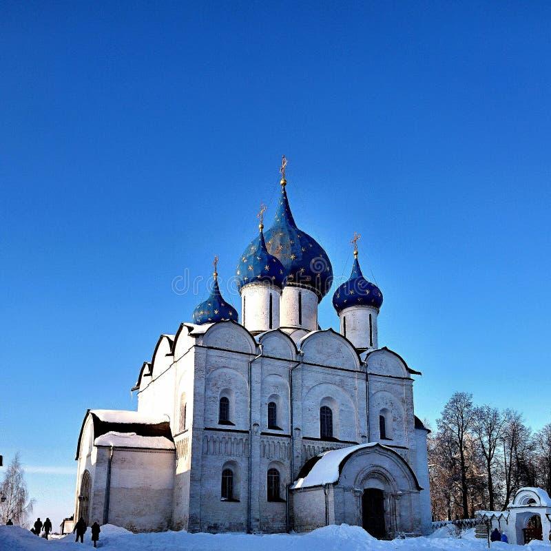 La catedral de la natividad del Theotokos en Suzdal, Rusia, febrero de 2018 fotos de archivo libres de regalías