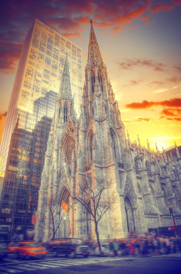 La catedral de St Patrick en Nueva York imagen de archivo