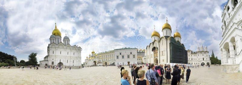 La catedral del arcángel Michael Archangel Cathedral en el cuadrado de la catedral de la Moscú el Kremlin La ciudad de Moscú fotografía de archivo libre de regalías