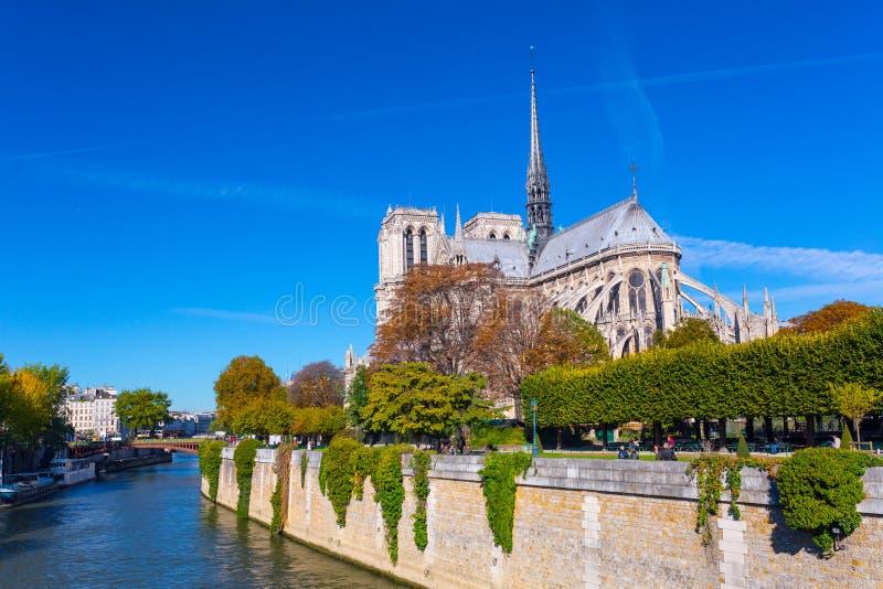 La catedral del Notre Dame de Paris, Francia fotos de archivo