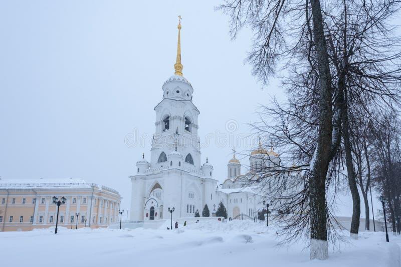 La catedral principal de la ciudad de Vladimir es la catedral de la suposición Vistas del ruso foto de archivo libre de regalías