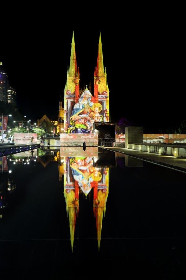La catedral Sydney Madonna de St Mary y la Navidad del niño imagenes de archivo