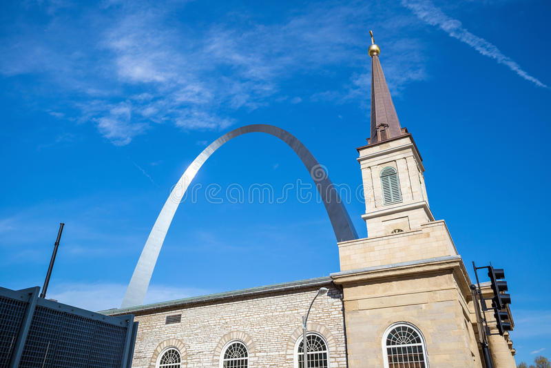 La catedral vieja St. Louis de la basílica fotografía de archivo libre de regalías