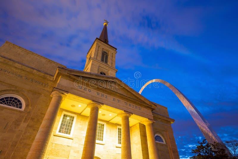La catedral vieja St. Louis de la basílica fotografía de archivo
