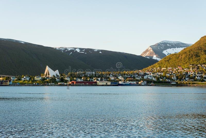 La cathédrale arctique dans Tromso, Norvège photographie stock libre de droits