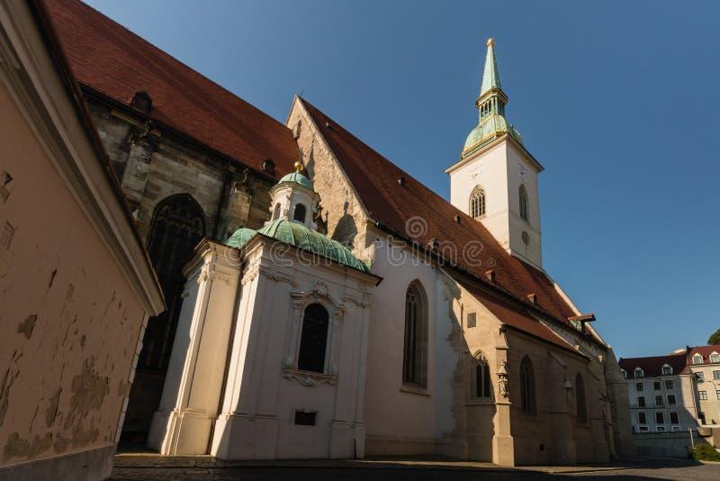 La cathédrale de St Martin à Bratislava, Slovaquie photographie stock libre de droits