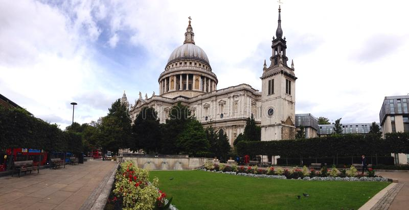 La cathédrale de St Paul image libre de droits