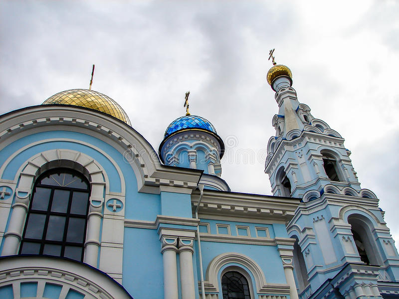 La cattedrale del Dormition nella città di Maloyaroslavets della regione di Kaluga in Russia immagine stock libera da diritti