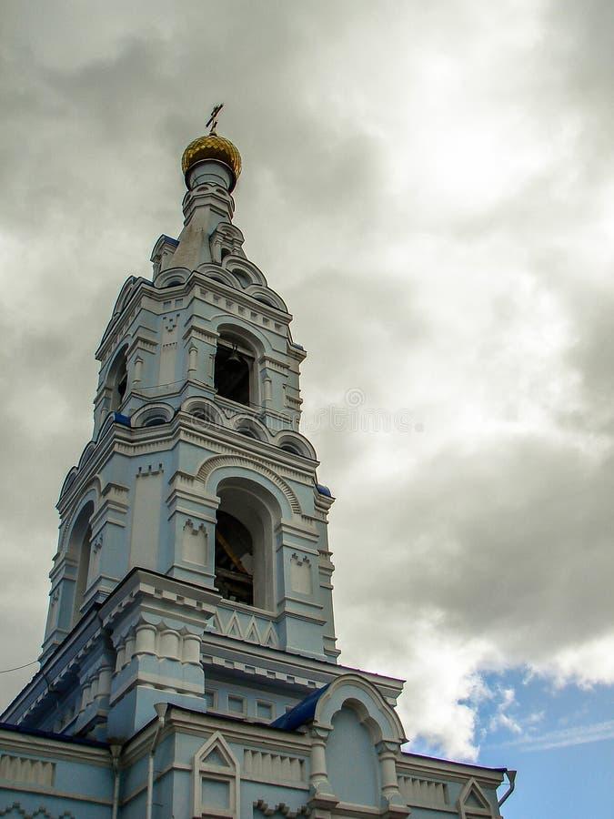 La cattedrale del Dormition nella città di Maloyaroslavets della regione di Kaluga in Russia immagini stock libere da diritti