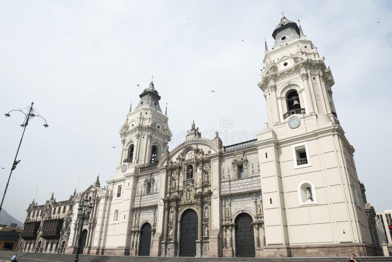 La cattedrale della basilica di Lima su sindaco Square, Lima, Per?, Sudamerica della plaza immagini stock