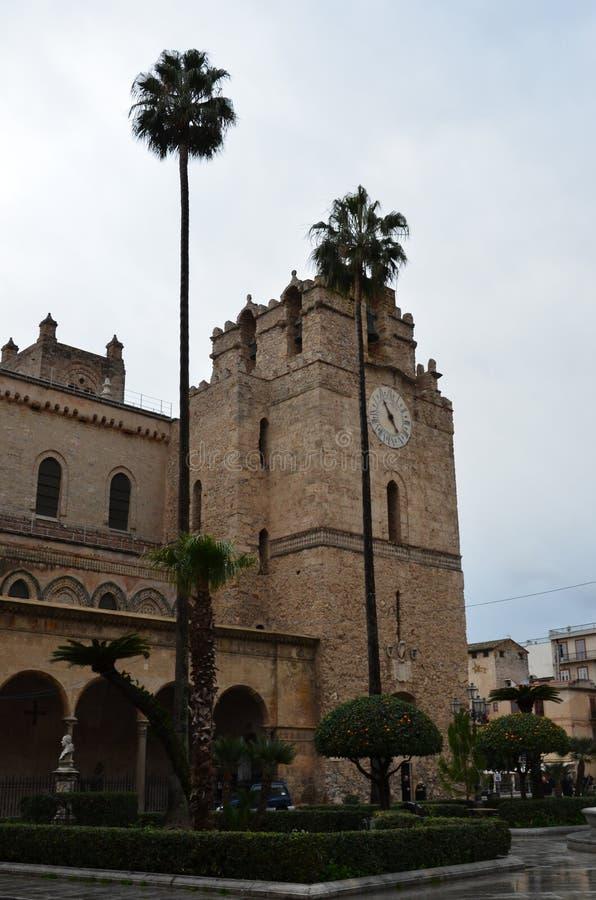 La cattedrale di Monreale, vicino a Palermo, l'Italia fotografia stock
