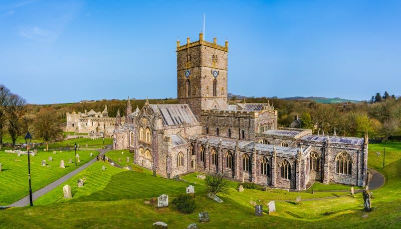 La cattedrale di St David in st Davids, Pembrokeshire, Galles, Regno Unito fotografia stock libera da diritti
