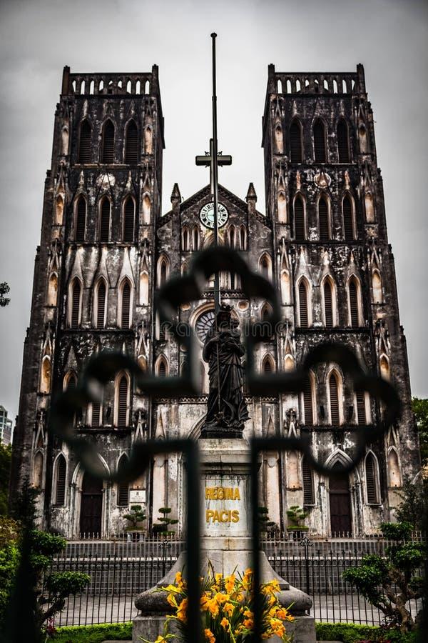 La cattedrale di St Joseph, punto di riferimento di Hanoi, Vietnam immagini stock libere da diritti