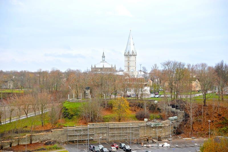 La cattedrale luterana di Alexander nella città di Narva immagini stock