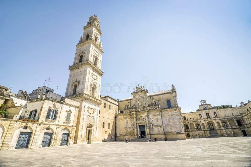 La cattedrale storica è uno dei punti di riferimento in Lecce, Italia fotografia stock libera da diritti