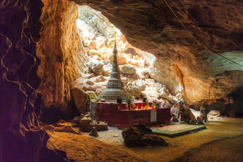 La caverne de Sadan dans Hpa-An, Myanmar photographie stock