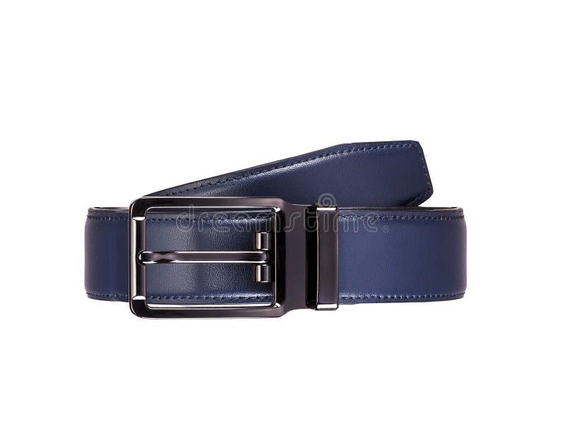 La ceinture en cuir bleue des hommes à la mode roulés avec le métal emmêlé foncé images stock