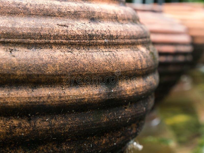 La cerámica Earthware de Brown foto de archivo
