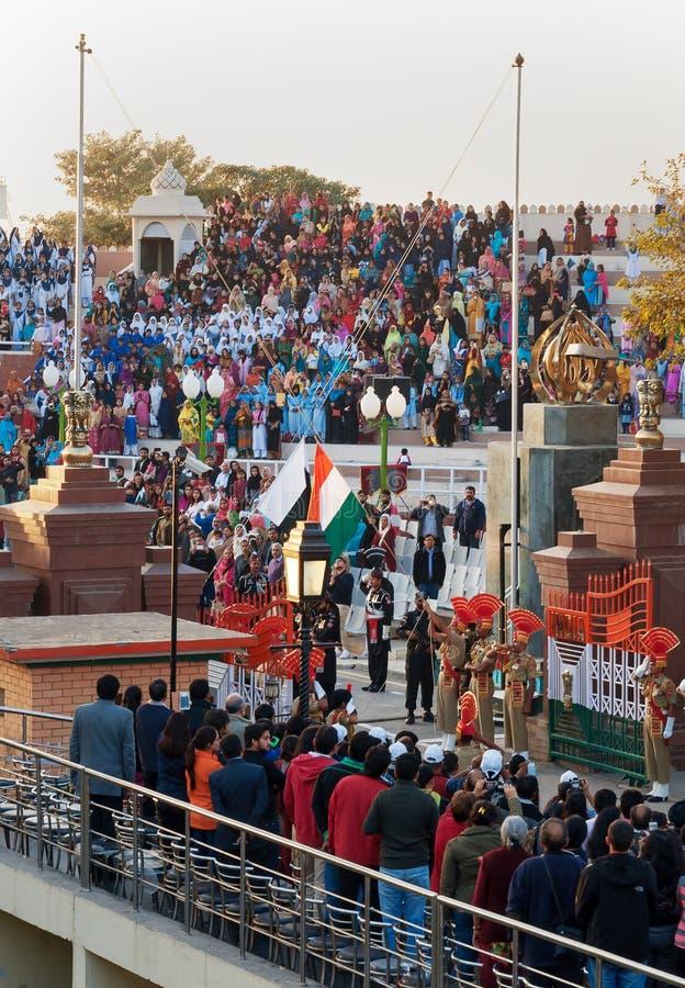La ceremonia de clausura de la frontera de India-Paquistán Wagah fotos de archivo libres de regalías