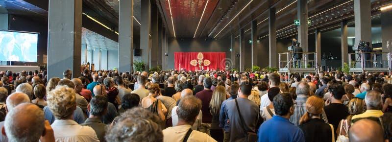 La cerimonia di dolore per le vittime del crollo del ponte Morandi a Genova, Italia fotografia stock