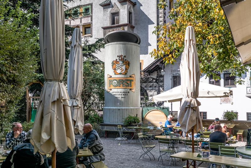 La cervecería de Forst, fundada en 1857, se conoce como una de las cervecerías más grandes del conjunto de Italia y está situada  imagen de archivo libre de regalías