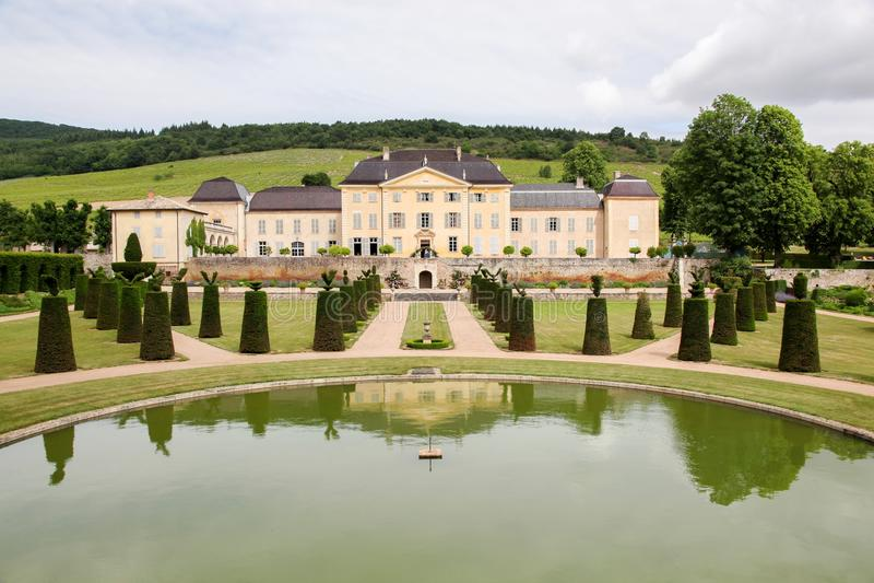 la Chaize城堡在博若莱红葡萄酒 库存图片