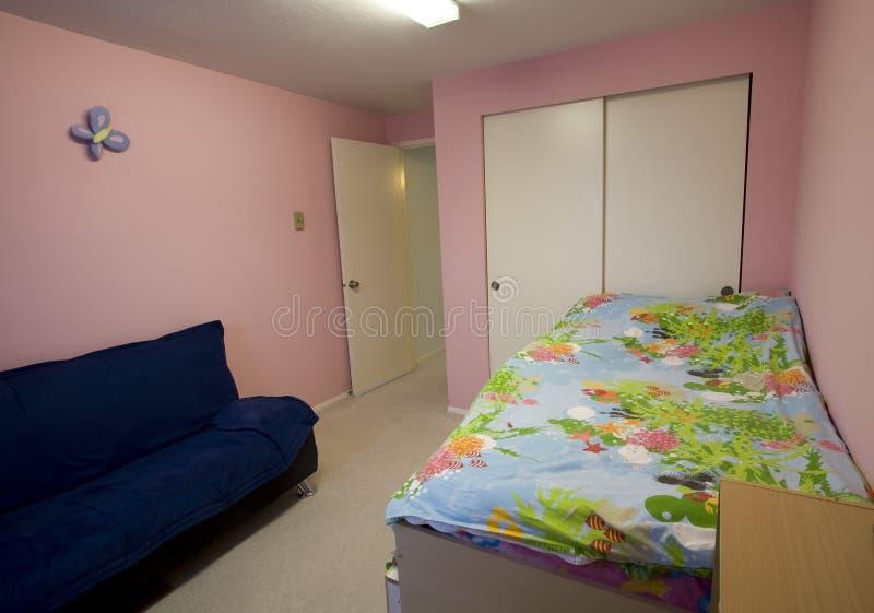 La chambre à coucher de l'enfant étagé photographie stock libre de droits