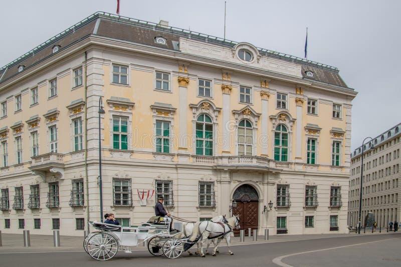 La chancellerie fédérale autrichienne sur le Ballhausplatz à Vienne, Autriche images libres de droits