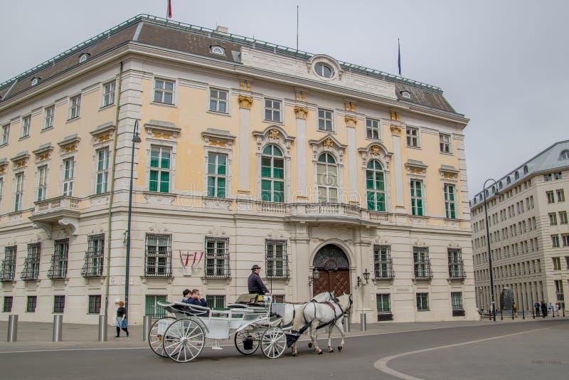 La chancellerie fédérale autrichienne sur le Ballhausplatz à Vienne, Autriche image stock