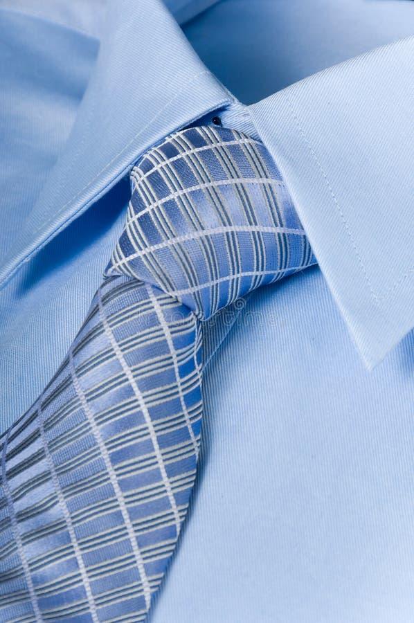 La chemise et la cravate de l'homme photographie stock