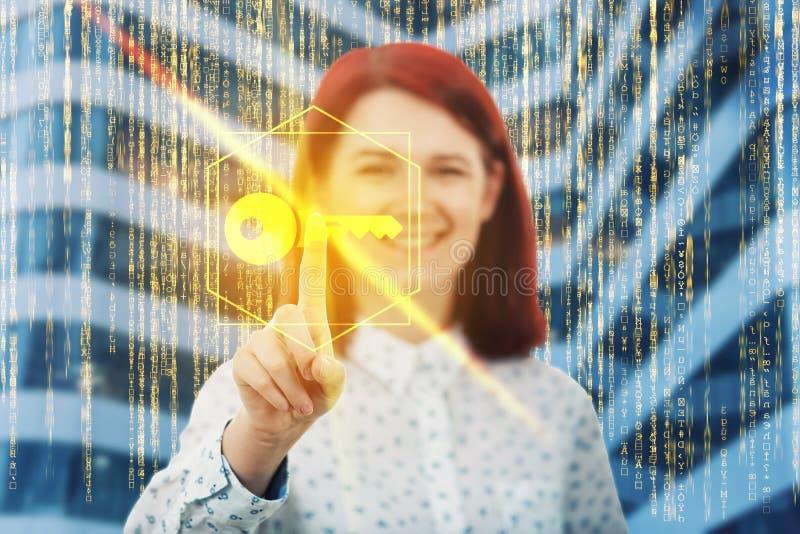 La chiave dorata fotografia stock libera da diritti